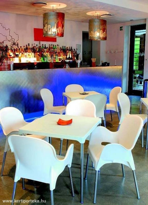 ERMAT kartámlás éttermi garnitúra krém színben