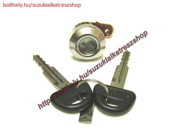 Zárbetét, csomagtartó Suzuki Swift 4 ajtós 82500-71820 *India