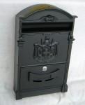 Fekete postaláda