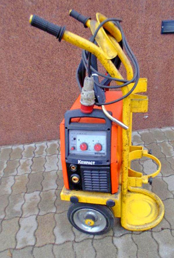 KEMPPI KEMPACT 2530 MIG/MAG CO2 védőgázas inverteres hegesztőgép, használt, SZÁLLÍTÓ KOCSIVAL