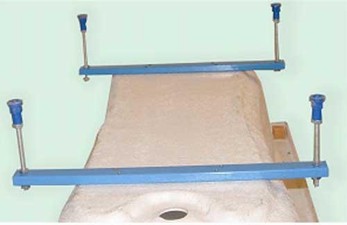 Vízszintező láb normál méretű kádakhoz