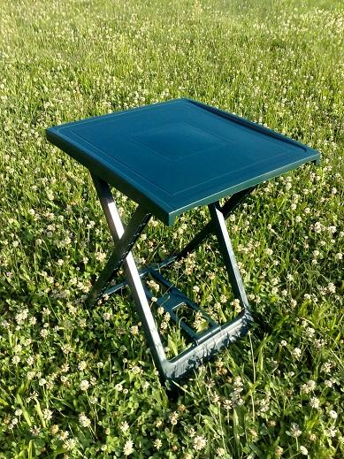 ARNO összecsukható zöld kis asztal 50x47cm