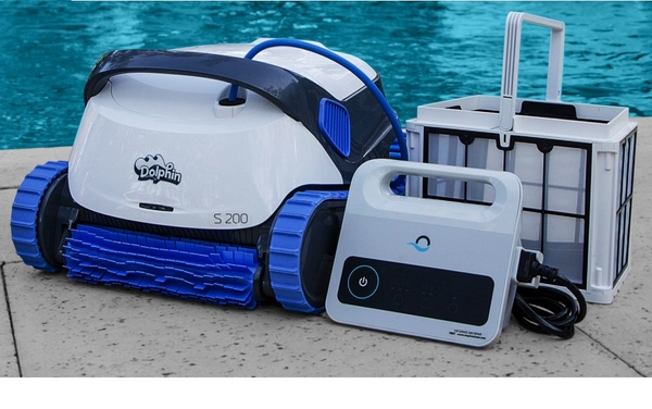 Dolphin S200 robot medence porszívó Maytronics AS-148122