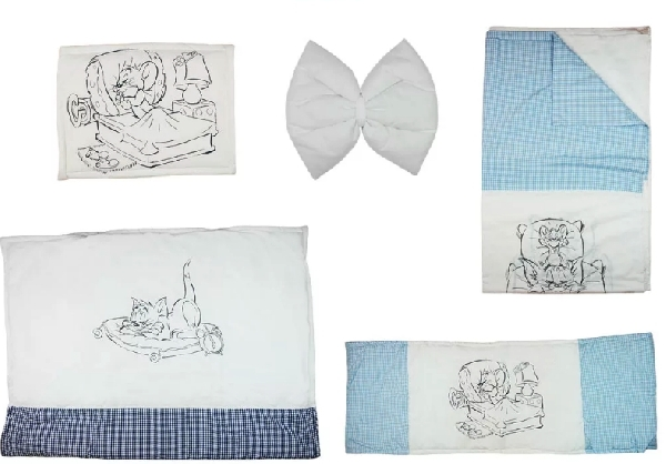 Tom & Jerry 4 részes baba ágynemű garnitúra.Kék kocka/Fehér