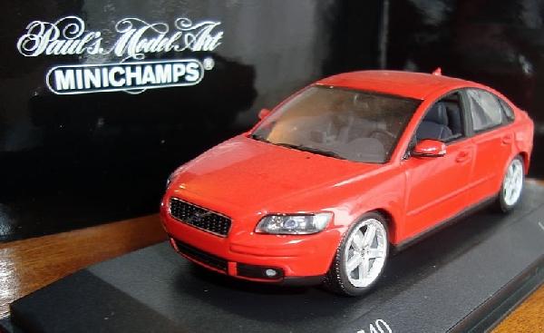 Volvo V40 1/43 Minichamps