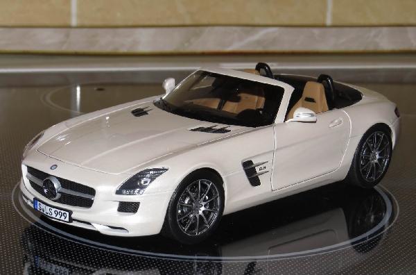 Mercedes-Benz SLS AMG Roadster 1/18 Norev HQ modell