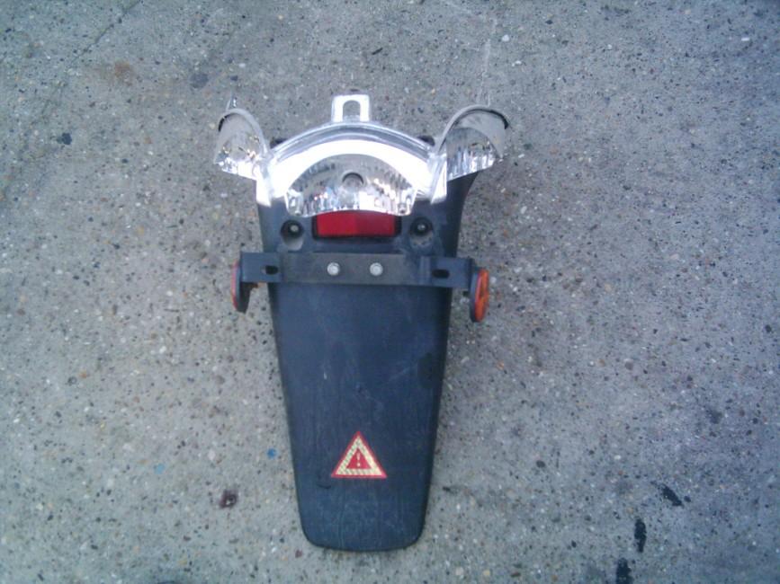 Honda @ -Kínai, farokidom,hátsólámpával.