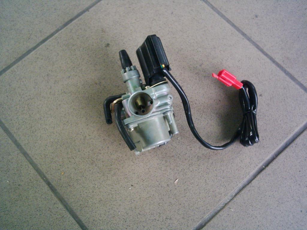Honda Tact, DJ 1, Kymco ZX, CX, DJ,, Peugeot SV, Trecker, Speedfight, Elyseo, Delim Tapo  stb.  ÚJ  36mm felfogatású,  28mm torok külső átmérős   karburátor.