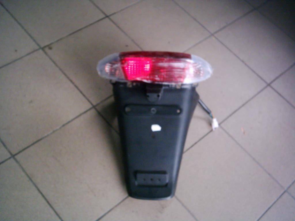 Kínai nagytestü, QM 6, hátsó lámpa,farok idom.