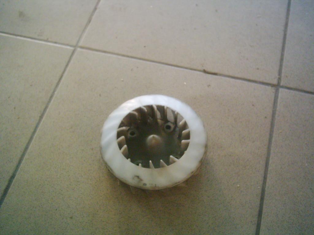 Kymco Peolpe 50  2T  bontott  hűtő ventilátor lapát.